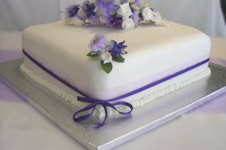 Lilac & Cream Cake Decoration - £10.00