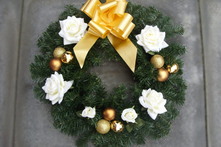 """18"""" Wreath - White Roses, Gold Baubles & Gold Bow - from £22.00"""